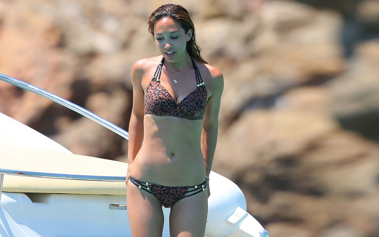 Myleene Klass Hot Bikini Wallpapers (+11)
