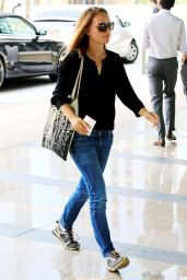 Natalie Portman in Jeans at the Creative Artists Agency in Los Angeles