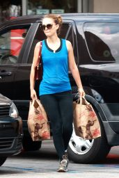 Natalie Portman - Shopping at Trader Joe