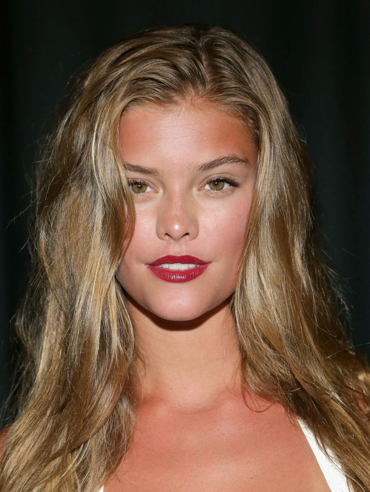 nina agdal tresemme at the beach bunny mercedesbenz