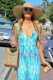 Paris Hilton in a Blue and White Dress for a Visit to the Cross Creek - July 2014