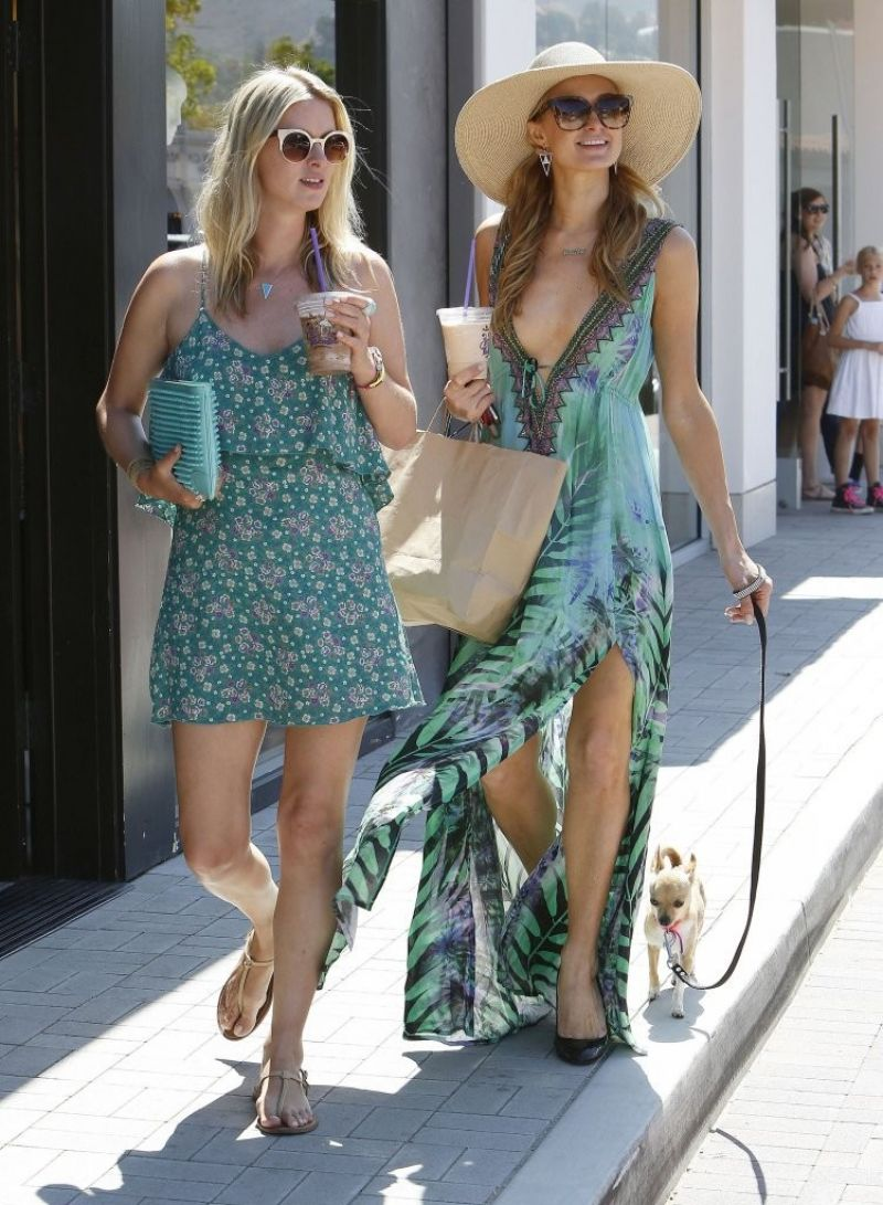 Paris Hilton Amp Nicky Hilton Out In Malibu July 2014