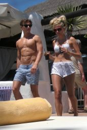 Pixie Lott Leggy in Shorts on Vacation in Marbella - July 2014