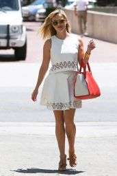 Reese Witherspoon Casual Style - Heads to the Office in Beverly Hills - July 2014