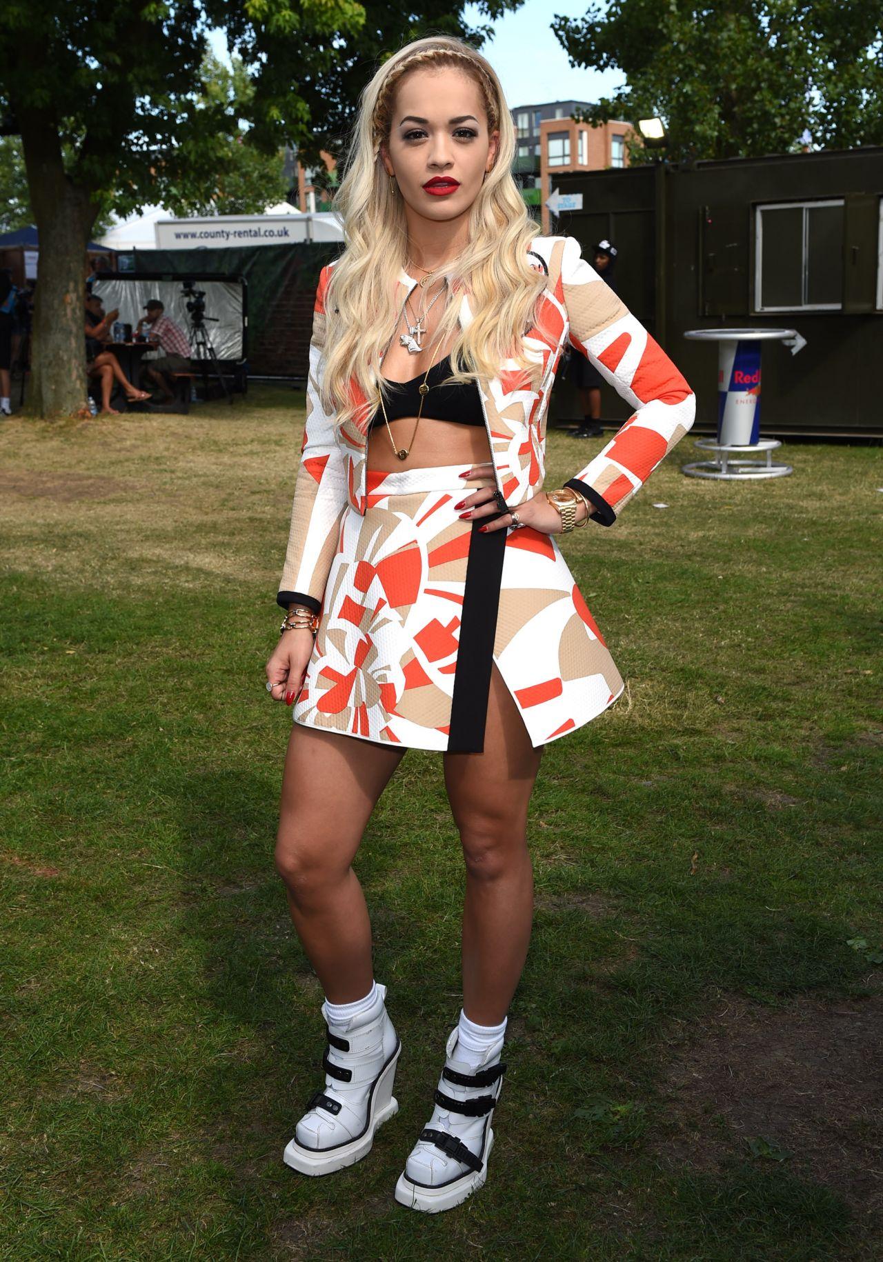 Rita Ora Iggy Azalea Performs At Wireless Festival In Finsbury Park London July 2017