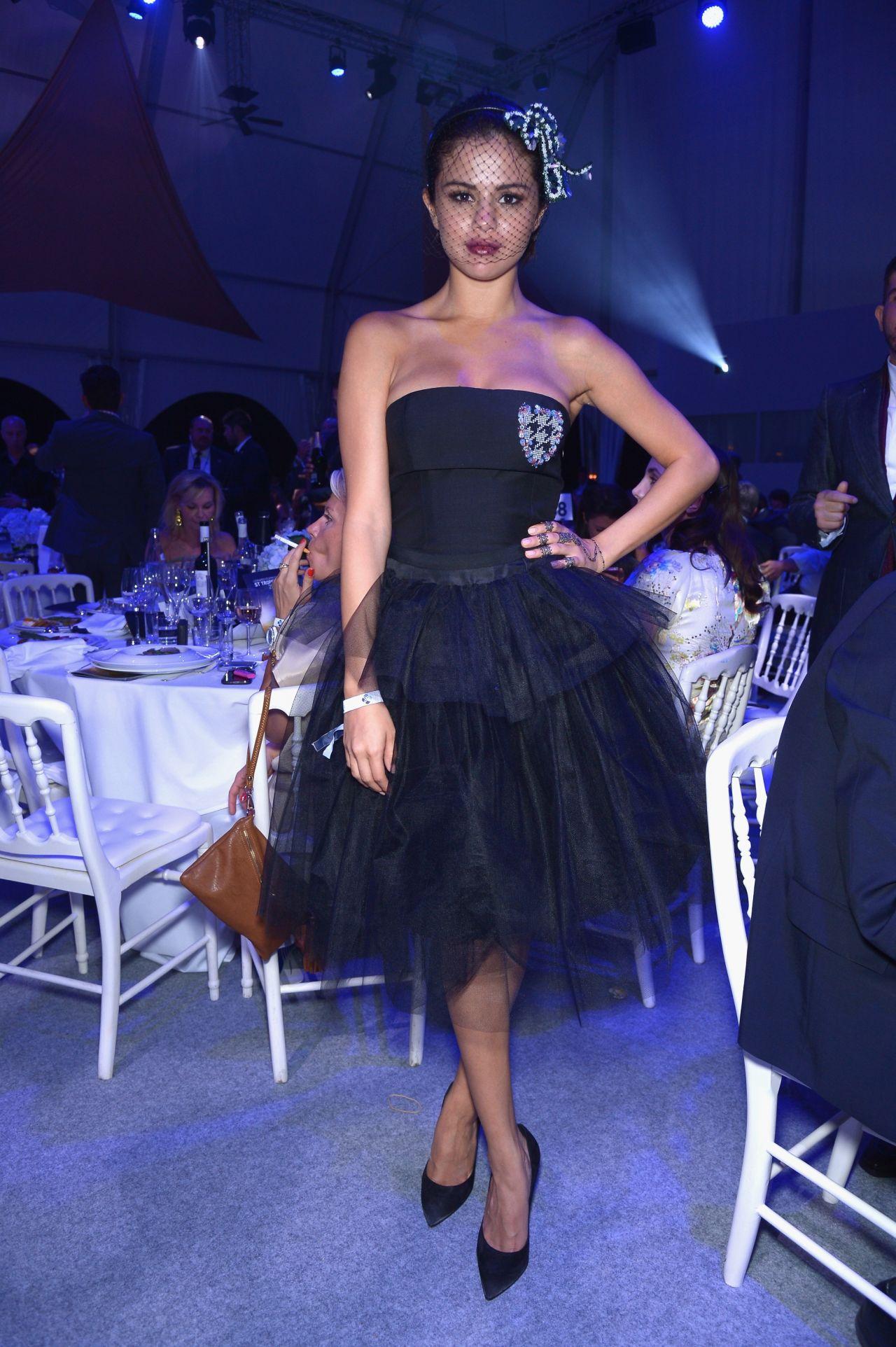 Selena Gomez - Leonardo Dicaprio Foundation Inaugurational Gala (2014)