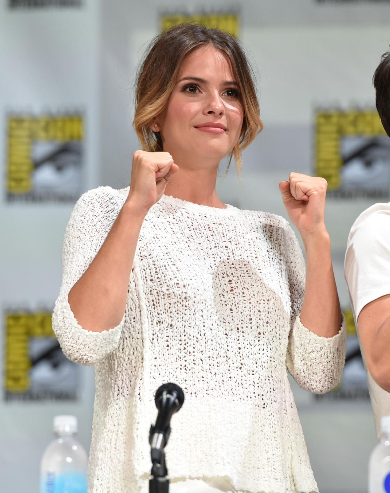 Shelley Hennig -