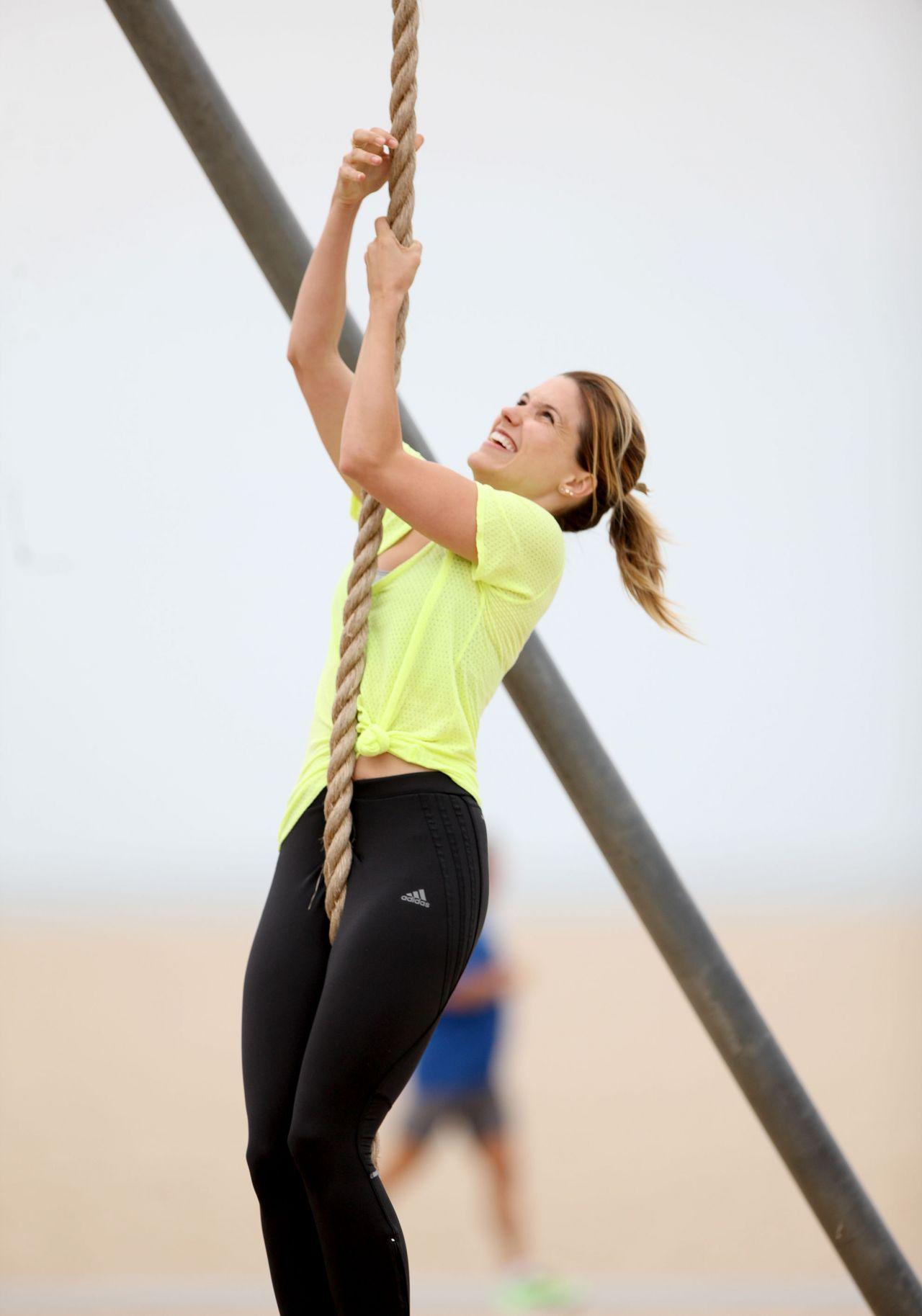 Sophia Bush In Leggings Working Out In Santa Monica