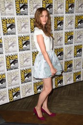 sophie-cookson-20th-century-fox-comic-con-2014-panel_6