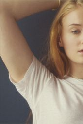 Sophie Turner Natural Portraits - July 2014