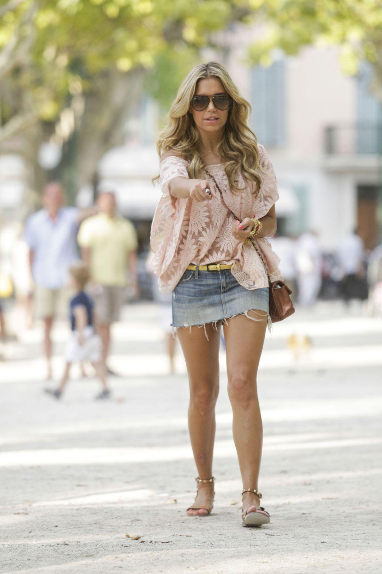 Sylvie Van Der Vaart In Jeans Mini Skirt In St Tropez