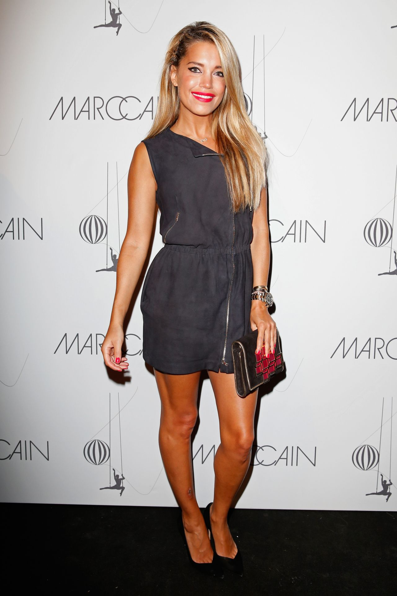 Sylvie van der vaart sylvie meis marc cain show for Mercedes benz fashion show
