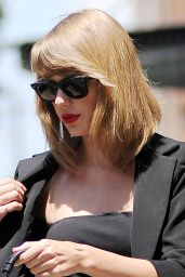 Taylor Swift Casual Style - Out in NYC - July 2014