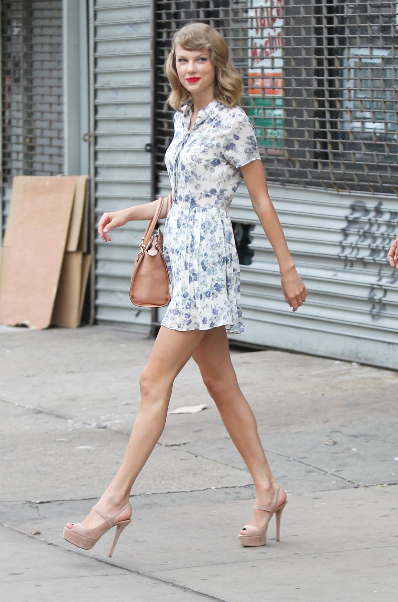 Taylor Swift Leggy - Leaving a Gym in New York City - July 2014
