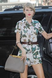 Taylor Swift Leggy - Out in New York City - July 2014
