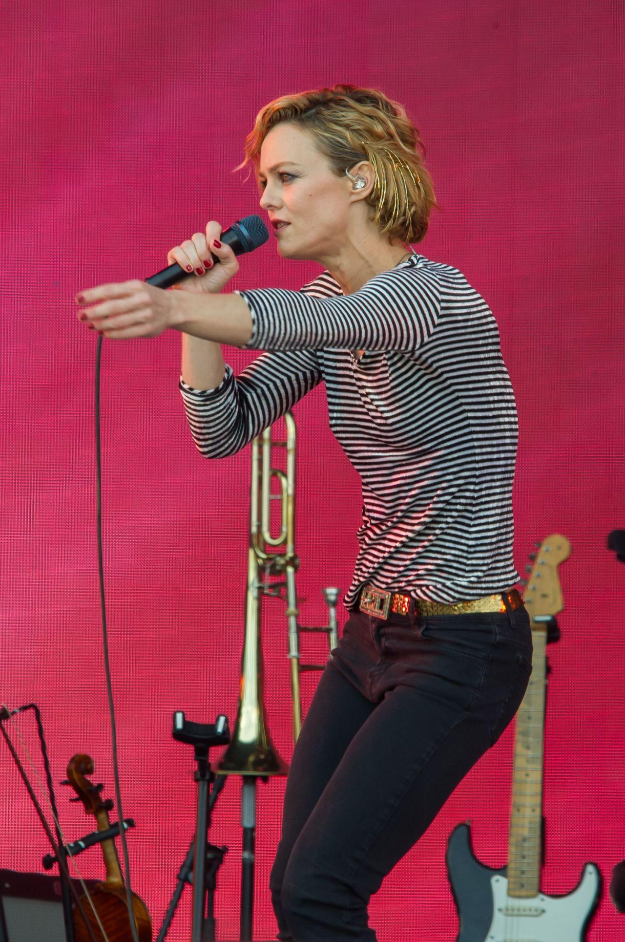 Vanessa Paradis Performing at Solidays in Paris - June 2014