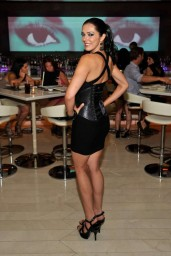 adrianne-curry-andrea-s-at-encore-las-vegas-august-2014_3