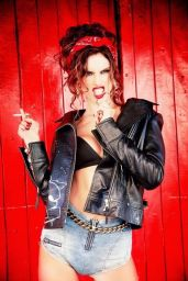 Alessandra Ambrosio Photoshoot for Vogue Brazil September 2014