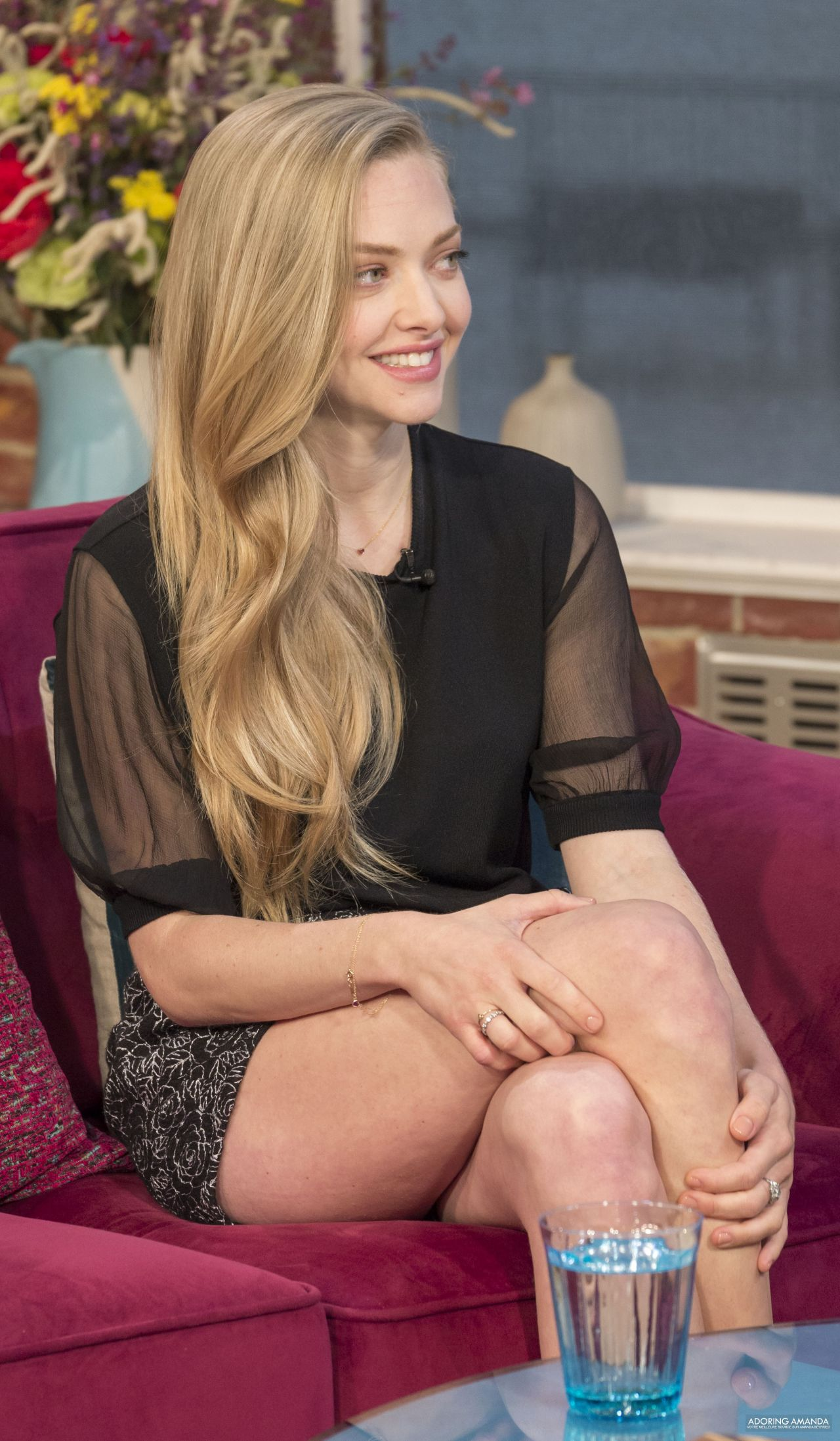 Amanda Seyfried Leggy At This Morning 2014