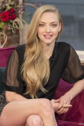 Amanda Seyfried Leggy at This morning (2014)