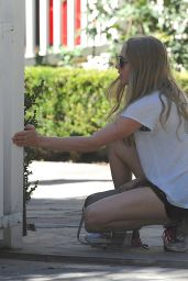 Amanda Seyfried Outside Her House in Los Angeles, Aug. 2014