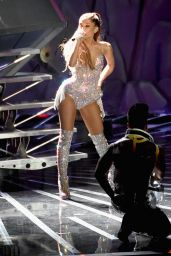 Ariana Grande Performs at 2014 MTV Video Music Awards