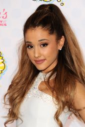 Ariana Grande – Teen Choice Awards 2014 in Los Angeles