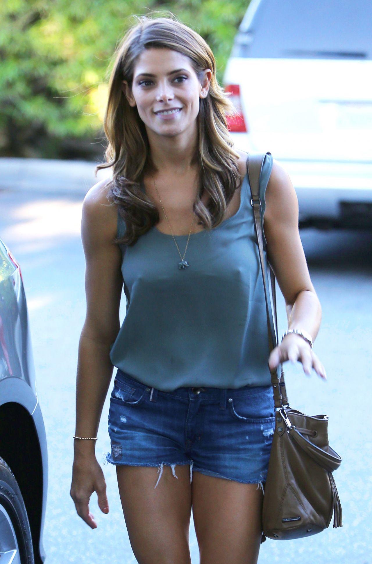 Ashley Greene In Denim Shorts At Bristol Farms In Beverly -9816