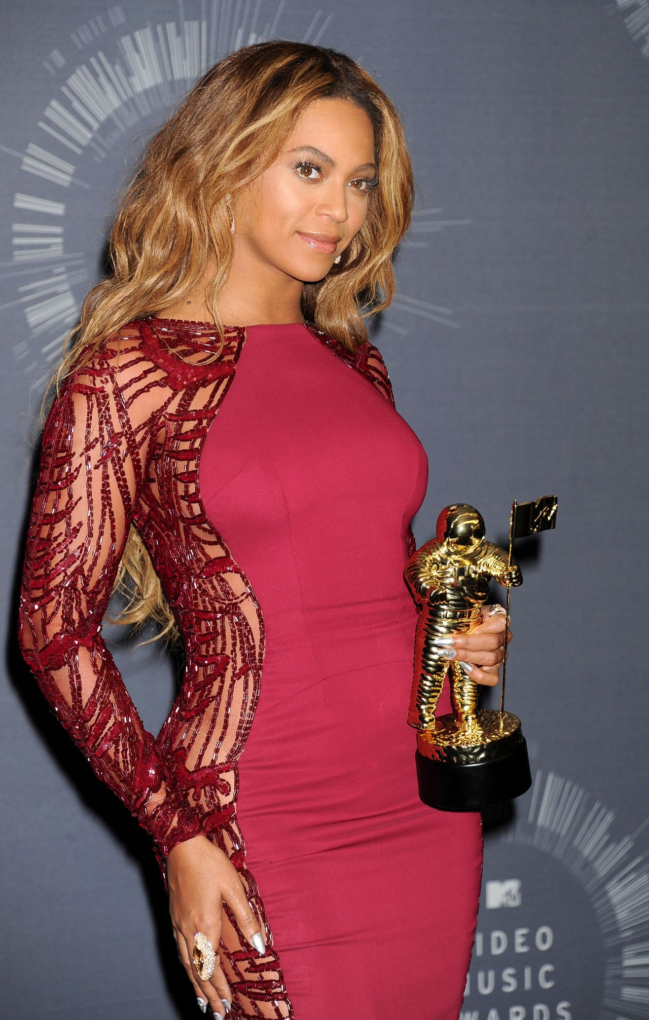 beyonce-2014-mtv-video-music-awards-winner_11.jpg
