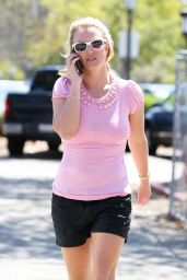 Britney Spears LA Style - Visits Wildflour Bakery & Cafe - August 2014