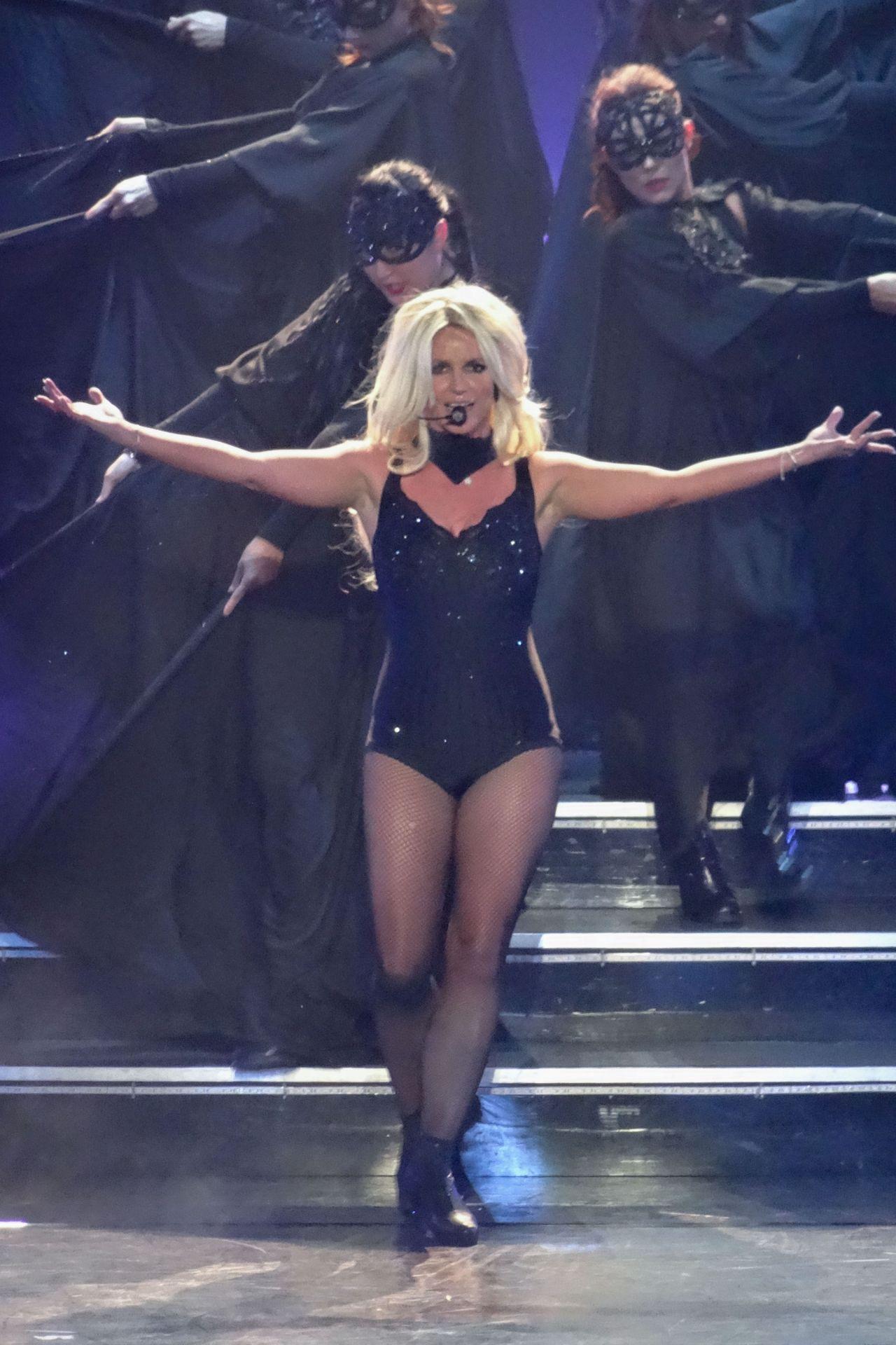 Britney Spears Performs in Las Vegas, August 2014 Britney Spears Vegas