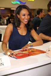 Candice Patton - Warner Bros. at SDCC 2014