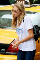 Cara Delevingne in Tight Jeans Going to a Metting in New York City, August 2014