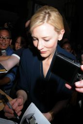 Cate Blanchett Signing For Fans as She Leaves Her Play
