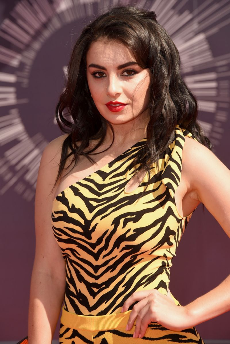 Charli XCX - 2014 MTV Video Music Awards in Inglewood