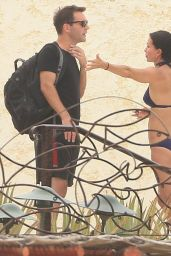 Courteney Cox Wearing a Bikini in Cabo (Mexico), August 2014