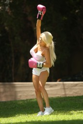 Courtney Stodden Workout at Griffith Park in Hollywood – July 2014