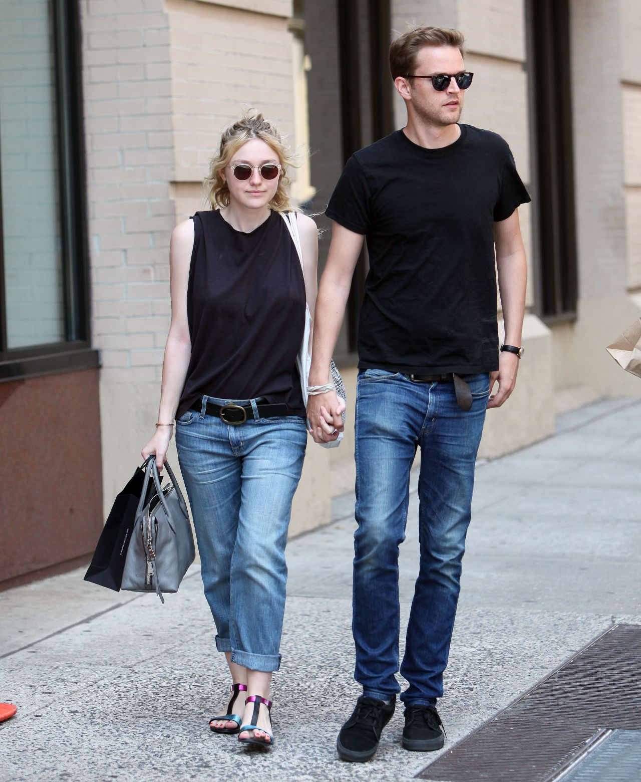Dakota Fanning Street Style Out In Nyc August 2014