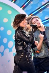 Demi Lovato – Teen Choice Awards 2014 in Los Angeles