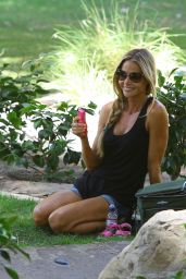 Denise Richards Street Style - Coldwater Park in Beverly Hills - August 2014