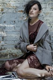 Elisabeth Moss - Gotham Magazine September 2014 Issue