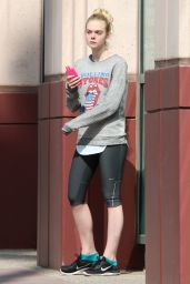 Elle Fanning Arrives at the Gym in Los Angeles - August 2014