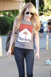 Emma Roberts at Nine Zero One Salon in West Hollywood - August 2014