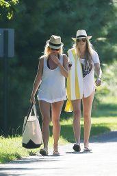 Gwyneth Paltrow and Friends Take a Stroll in East Hampton - August 2014