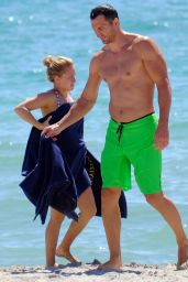 Hayden Panettiere Bikini Candids - Beach in Miami, August 2014