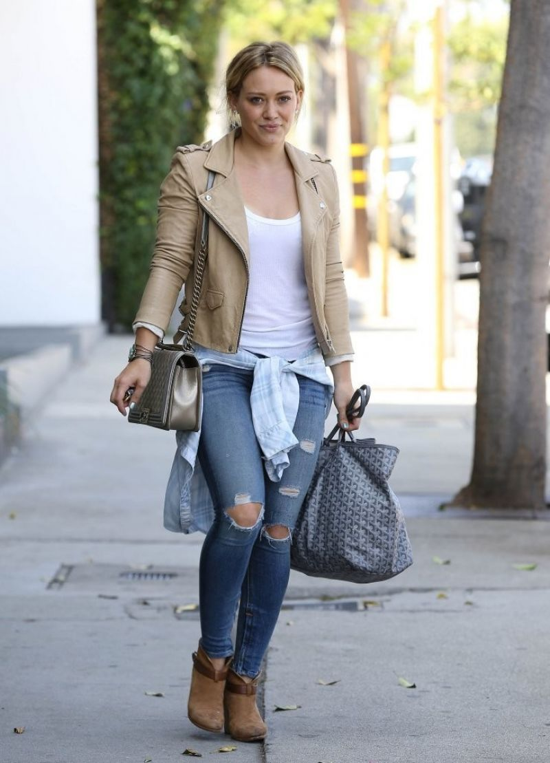 Duff in Ripped Tight Jeans - Leaving the Gym in West Hollywood ...