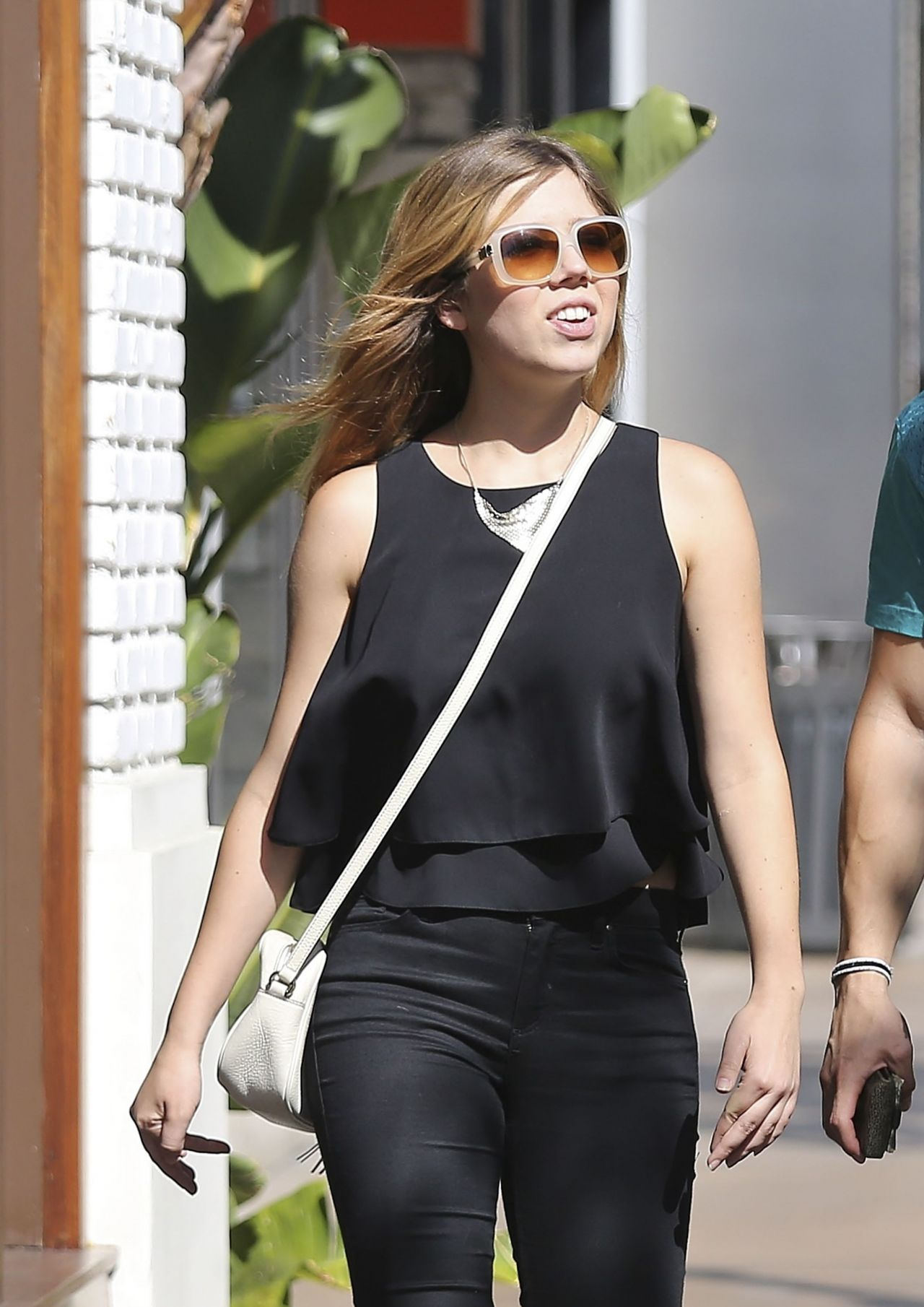 Jennette Mccurdy Street Style Shopping At The Grove