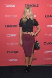 Jennifer Akerman - Crackle