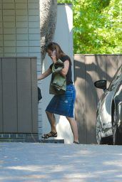 Jennifer Garner in Jeans Skirt  - August 2014