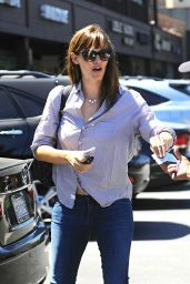 Jennifer Garner Leaving a Lunch Meeting in Brentwood - August 2014